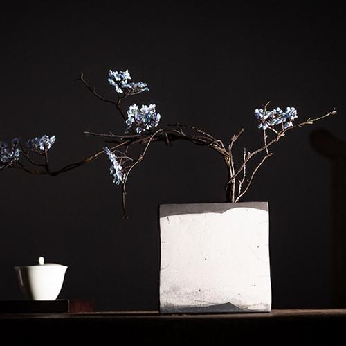 Le Shao Ceramic Vase