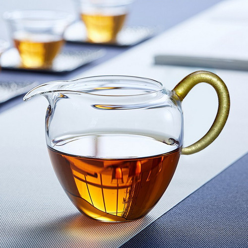 Yu Rong Glass Fair Cup Of Tea Serving Pitcher Creamer 240ml
