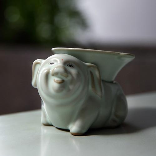 Chicken Pig Ru Kiln Ceramic Gongfu Tea Strainer