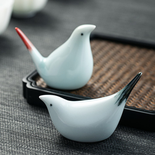Black Red-tailed Bird Ceramic Tea Pet Table Decoration Ornament
