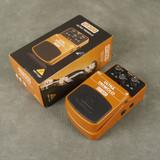 Behringer UT300 Ultra Tremolo FX Pedal w/Box - 2nd Hand