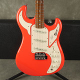Burns Club Series Marquee - Guards Red w/Hard Case - 2nd Hand