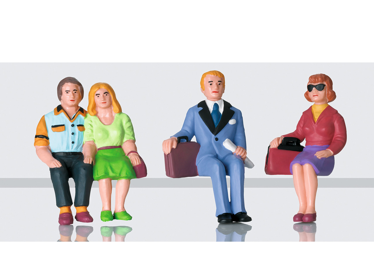 2020 LGB 53006 Figures - Set of travelers sitting