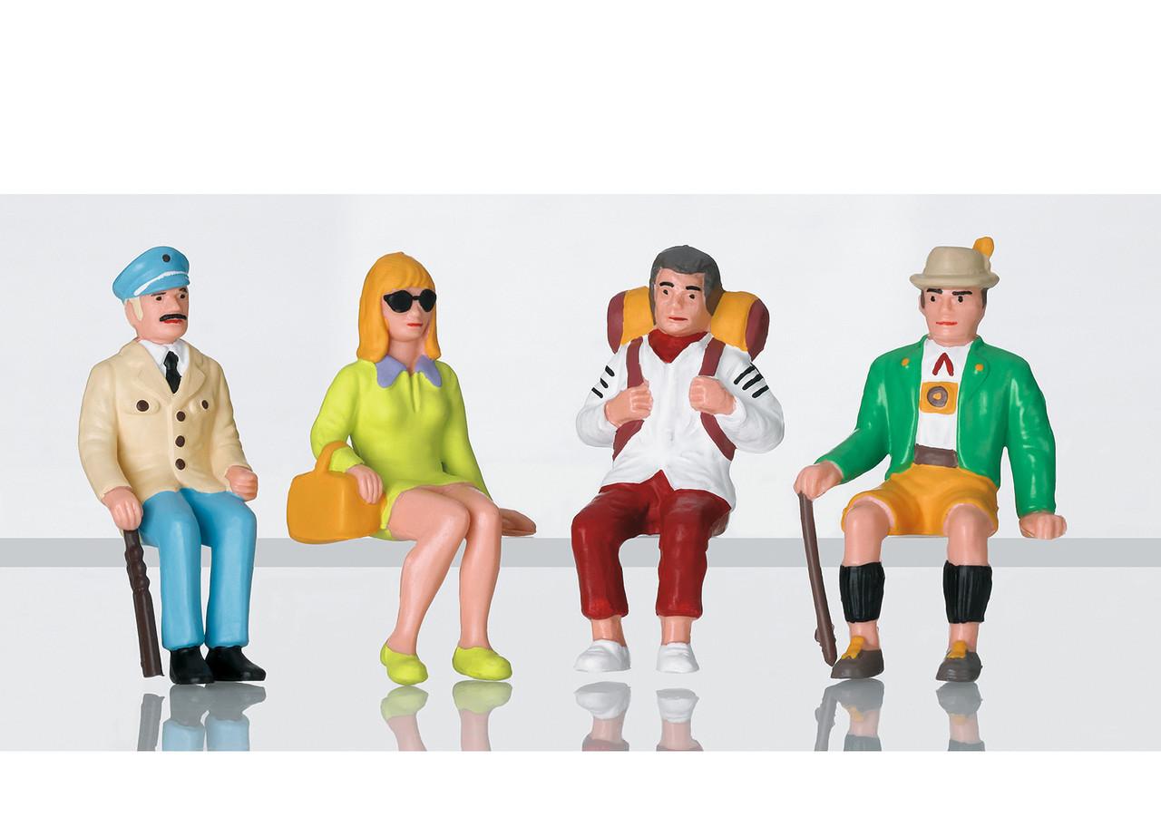 2020 LGB 53007 Figures - Set of tourists sitting
