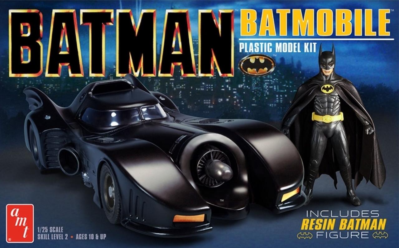 AMT1107  NYA1/25 '89 Batmobile/Batman Figure