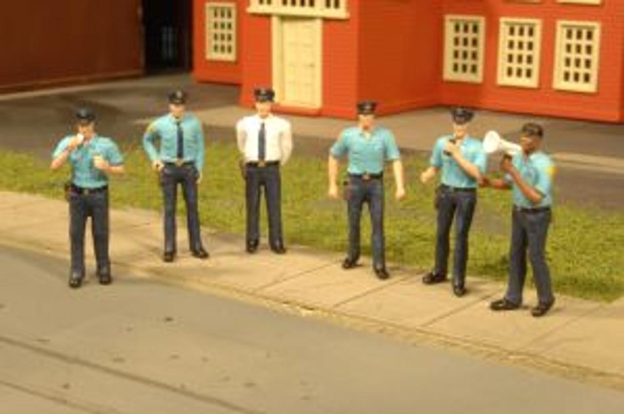 BAC33104  HO Police Squad (6)