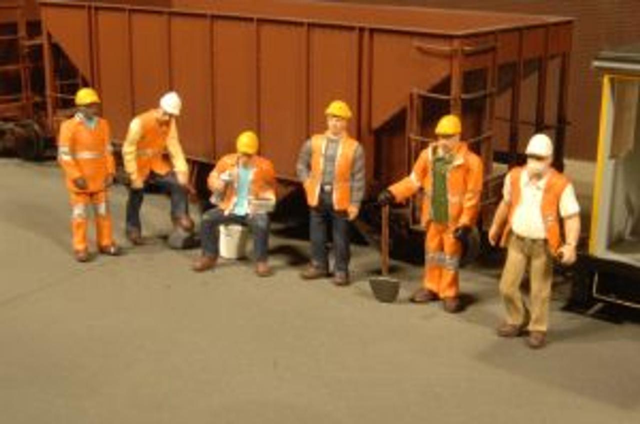 BAC33106  HO Maintenance Workers (6)