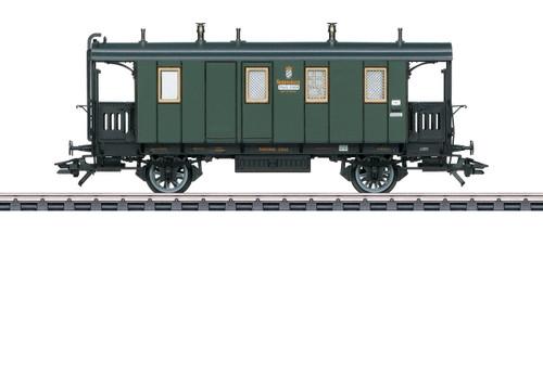 42061 Type PPostL Post and Baggage Car - 3-Rail - Ready to Run -- Royal Bavarian State Railroad K.Bay.Sts.B. 21004 (Era I 1912, green, black)