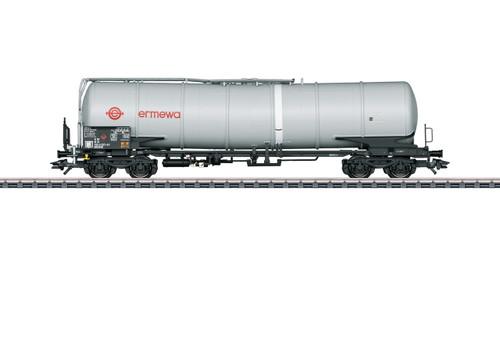 W441-47540  Type Zans 25,096-Gallon Four-Axle Tank Car - 3-Rail - Ready to Run -- Ermewa (Era V 2004, gray)