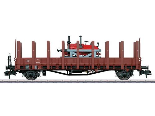 58818 Rmm Ulm Low-Side Gondola w/Stakes & Lanz Speeder Load - Ready to Run -- German State Railroad DR (Era II, Boxcar Red)