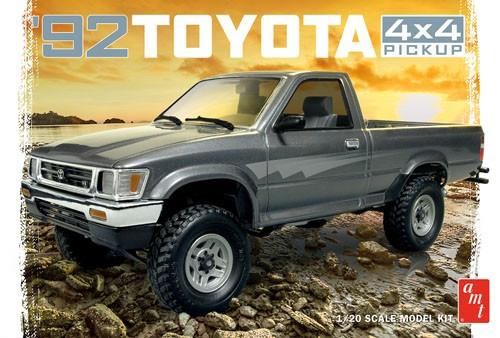 AMT-1082  1/20 1992 Toyota 4x4 Pickup Truck