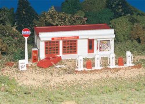 BAC45174  HO Snap KIT Gas Station
