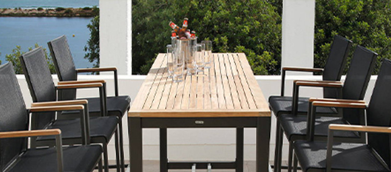 How to Select the Perfect Outdoor Bar Stool