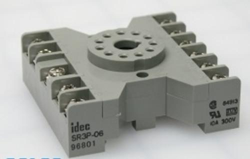 11-Pin socket for VEK-MNE1 and VEK-MNE2 vehicle loop detectors