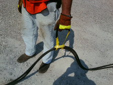 Carrying Sling for hot hydraulic hoses