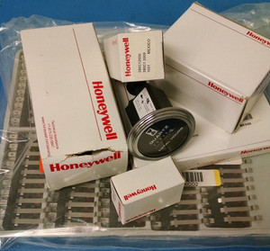 11TS15-7 Honeywell Switch Toggle (ON) OFF (ON) SPDT Round Lever Screw (3 PER)