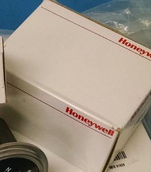 2TL1-50E Honeywell SWITCH TOGGLE DPDT 10A 125V (1 PER)