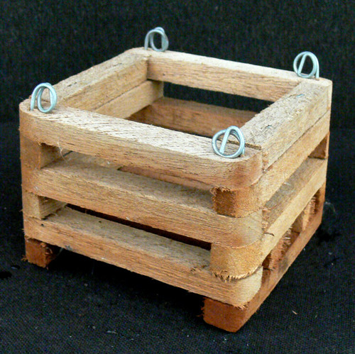 Wood Vanda Basket (square) 4""
