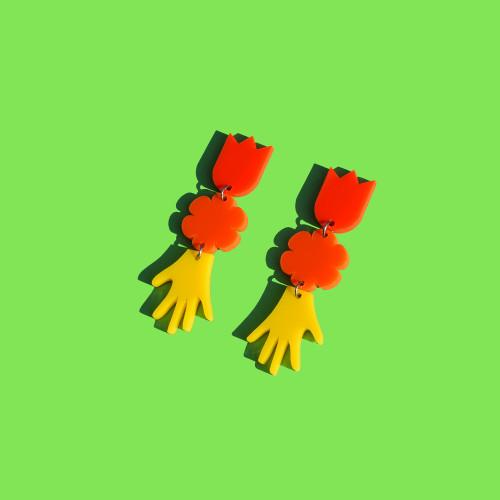 Frida Hand Drop