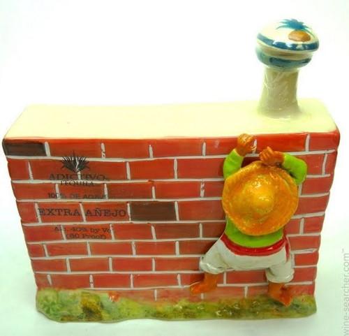 """Adictivo Tequila Extra Añejo Ceramic """"Border Wall"""" 750mL"""
