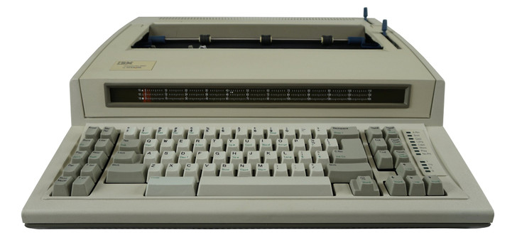 IBM Lexmark Wheelwriter 2000 Electric Typewriter With 32K Storage and Spell Check (New Condition)
