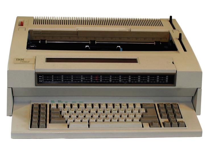 IBM Lexmark Wheelwriter 35 Electric Typewriter (Reconditioned)