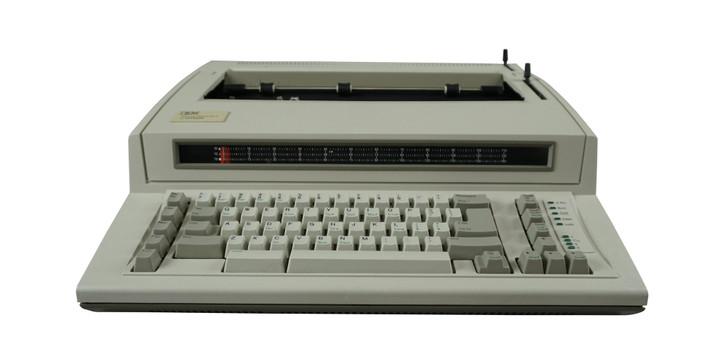IBM Lexmark Personal Wheelwriter 2 Electric Typewriter (Reconditioned)