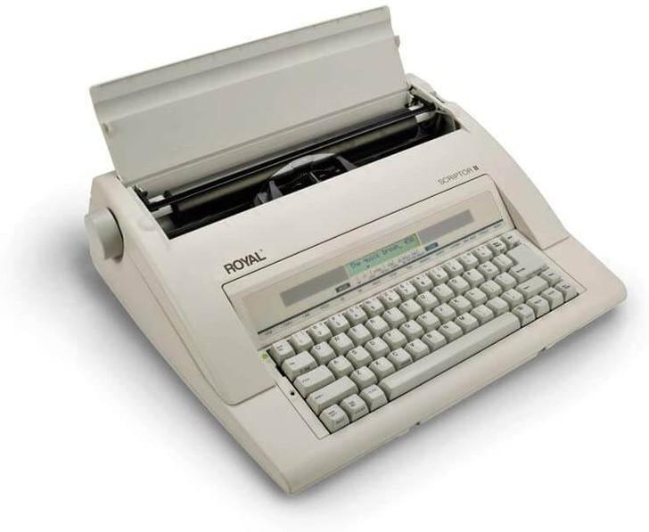 Royal Scriptor II Typewriter