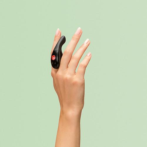 Be One minivibrator past perfect tussen je vingers.