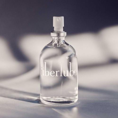 Elegant glazen flesje met top glijmiddel op siliconebasis