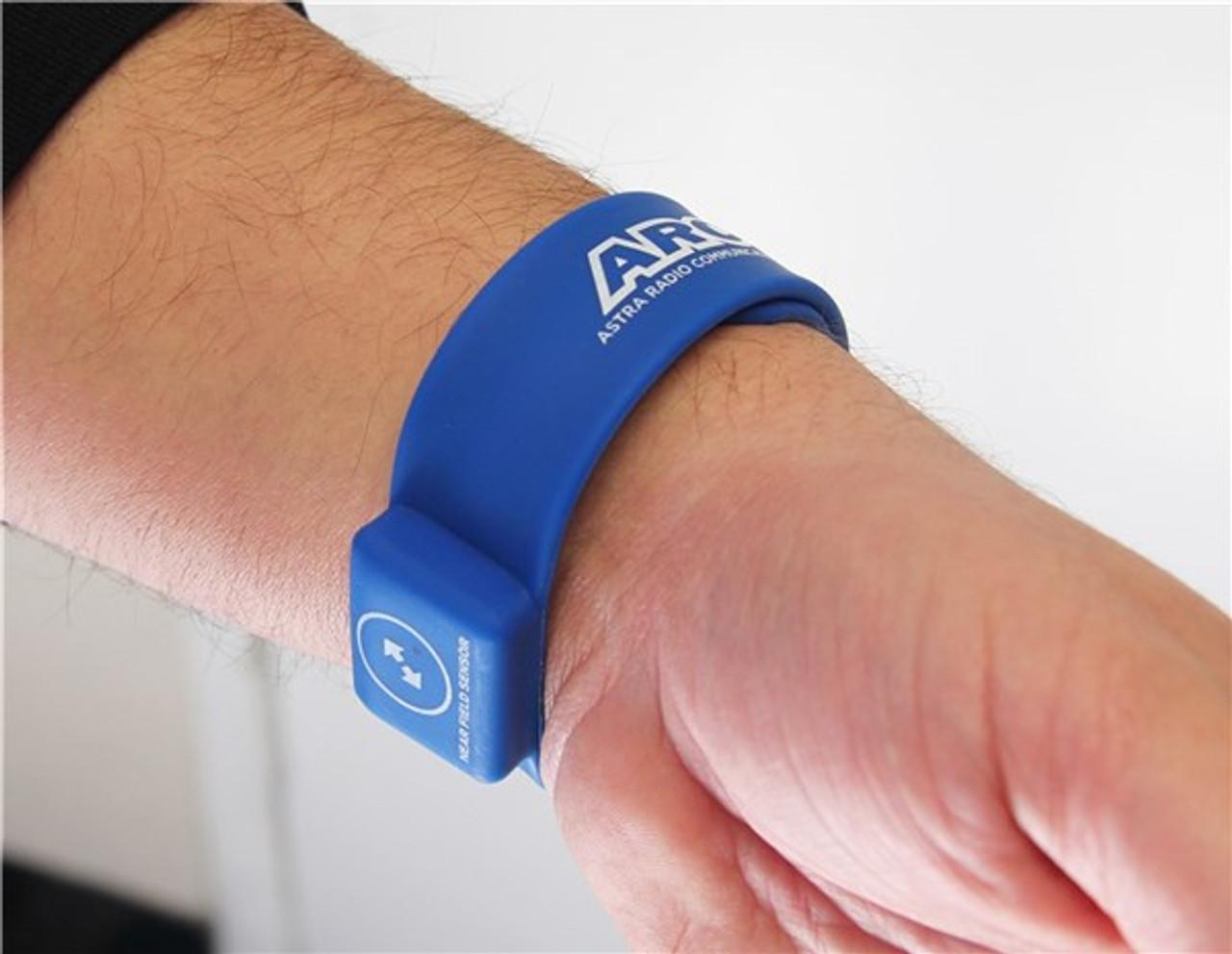 Astra G36 Touch Free Earpiece w/ NFC Wireless Bracelet
