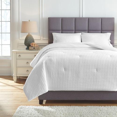 Maurilio White Queen Comforter Set