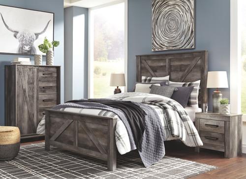 Wynnlow Gray 5 Pc. Queen Crossbuck Panel Bed & 2 Nightstands