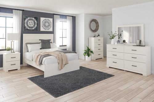 Stelsie White 7 Pc. Dresser, Mirror, Chest, Full Panel Bed, 2 Nightstands