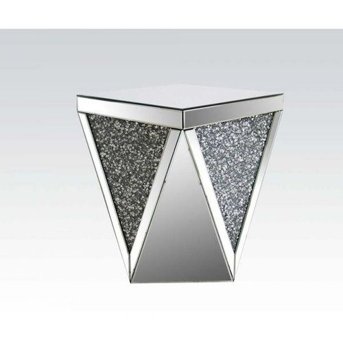 Noralie End Table (82772)