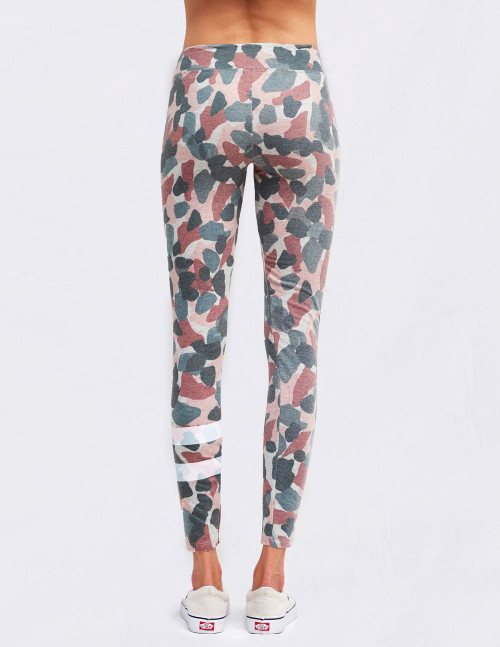 SUNDRY ABSTRACT CAMO YOGA PANT