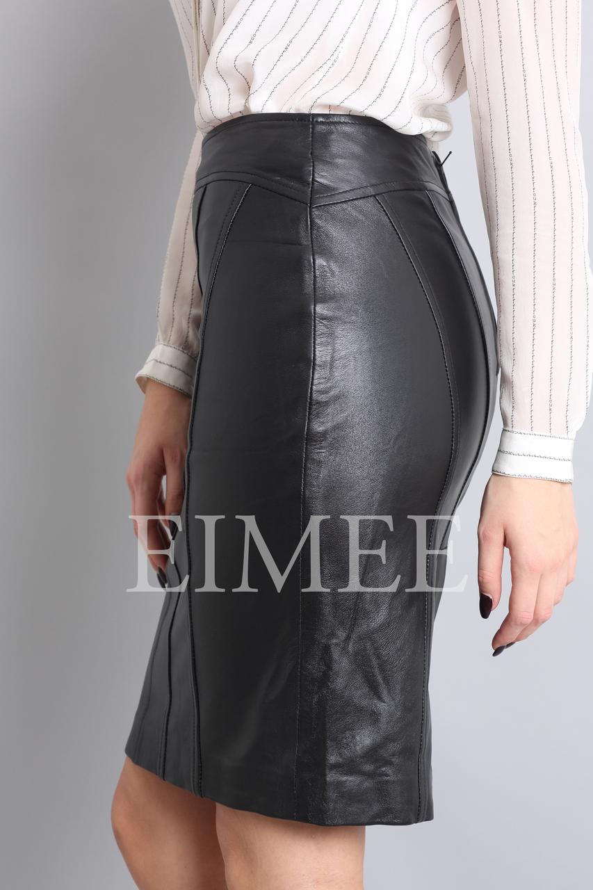 Luxury Ladies Leather Pencil skirt in Black GHIYA side detail