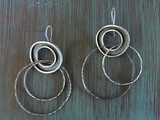Metal Moat Drop with double hoops