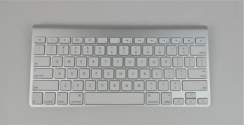 Apple A1314 Bluetooth Keyboard