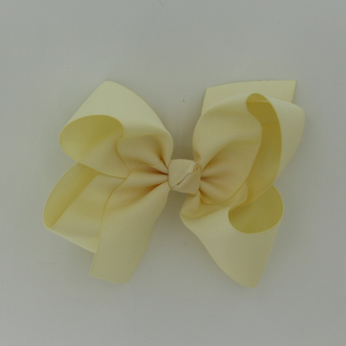 "Item no         : egch, Size              : 7.5""X6"" Color            : Ivory Center          : Cone Ribbon Size : 2 1/4""  Type of Clip : French Clip   Made in USA"