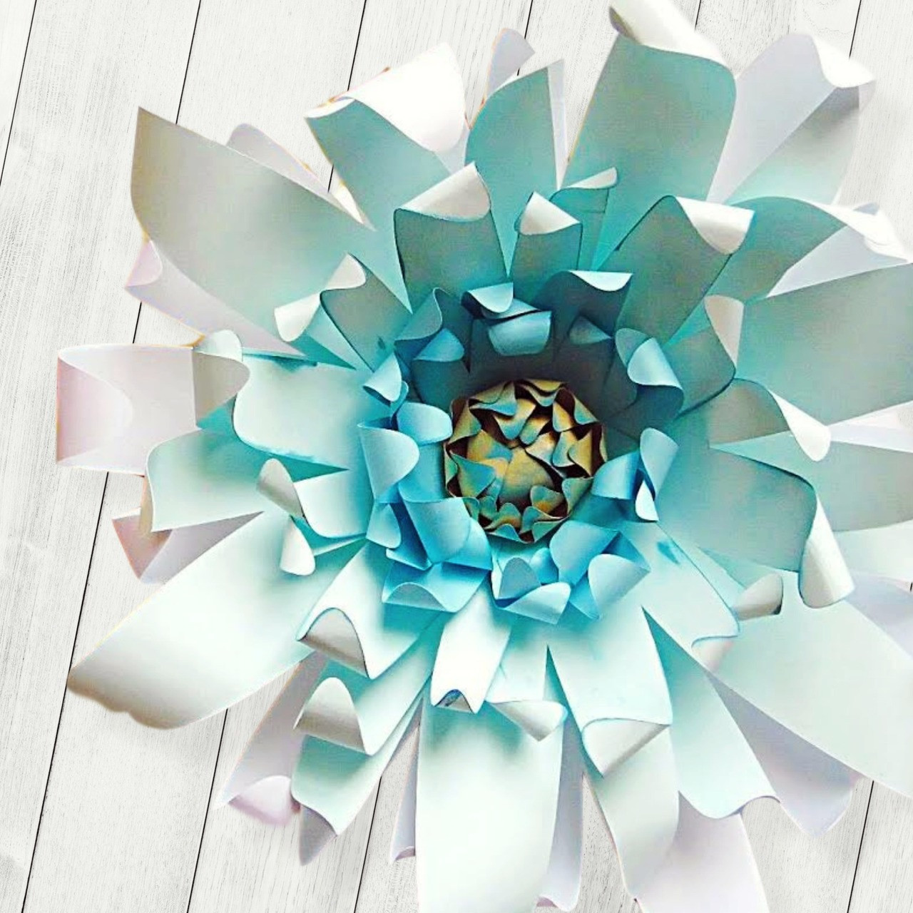 Giselle Style Paper Flower Catching Colorflies