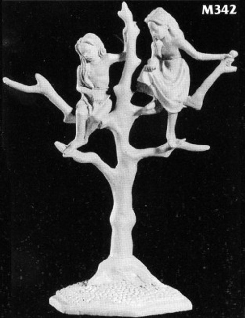 M342 Elf children in tree