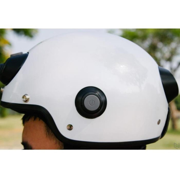 Airwheel C6 Smart Motorcycle Helmet with Built-in Camera & Speakers (White)