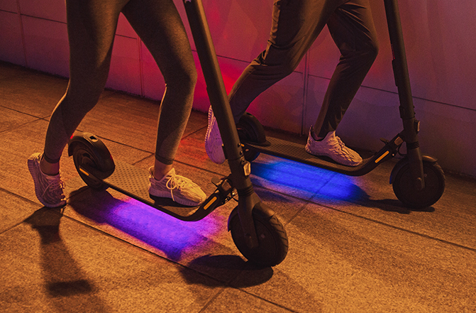Ninebot KickScooter E45 Escooter projection LED