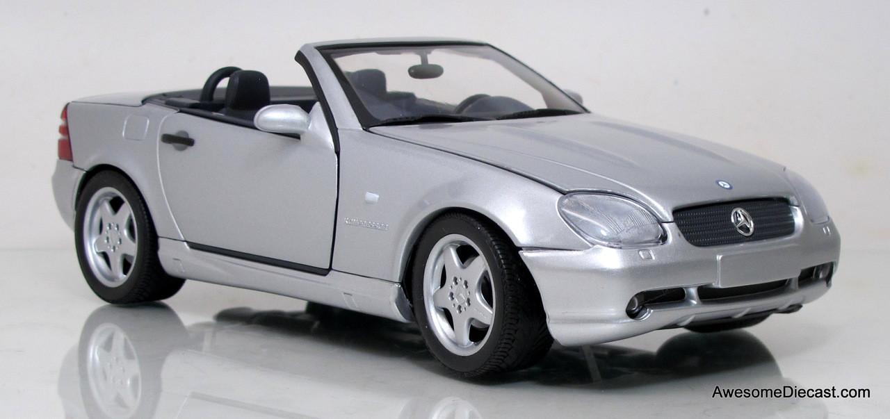UT Models 1:18 Mercedes-Benz SLK AMG 230 - Awesome Diecast