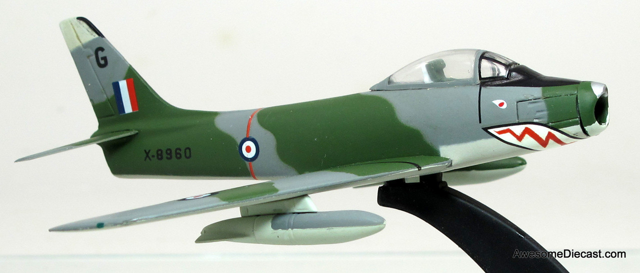 Armour Collection 1:100 Canadair MK-4 - U.K. Air Force
