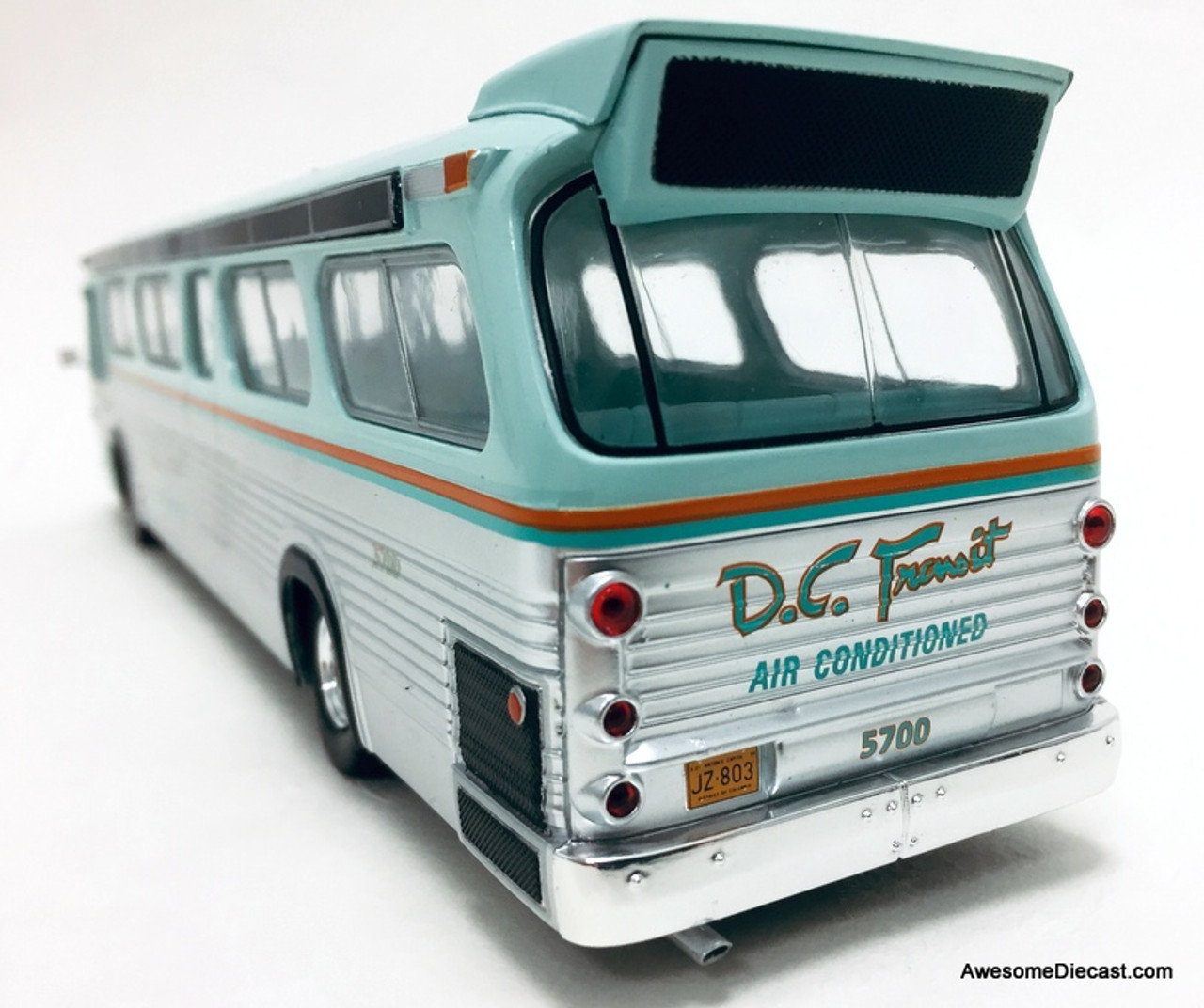 Iconic Replicas 1:43 GM TDH-5301 Transit Bus: DC Transit - 60th Anniversary of the New Look Version