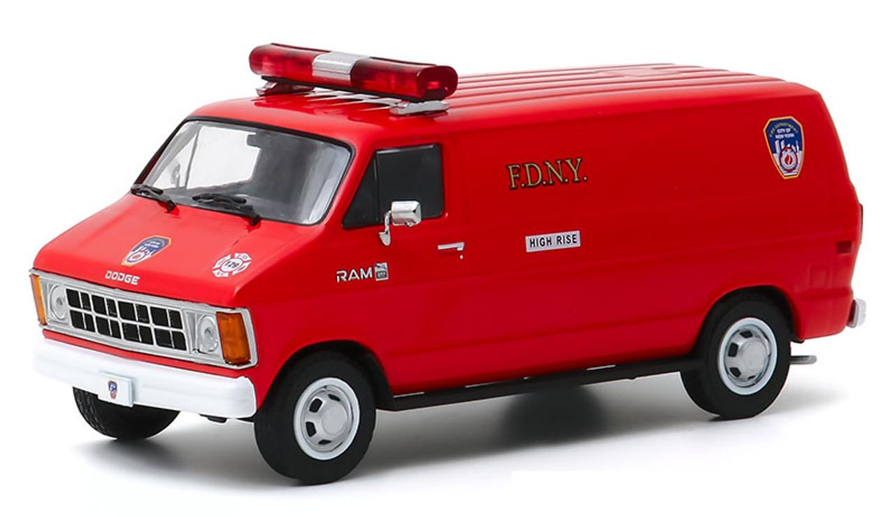 Greenlight 1:43 1983 Dodge Ram 1500 Van: FDNY New York