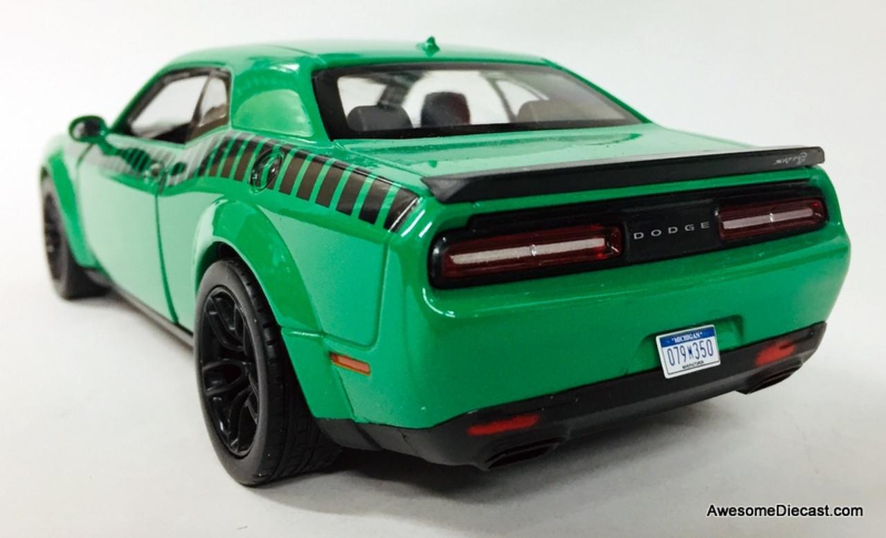 Motor Max 1:24 2018 Dodge Challenger SRT Hellcat Widebody, Green