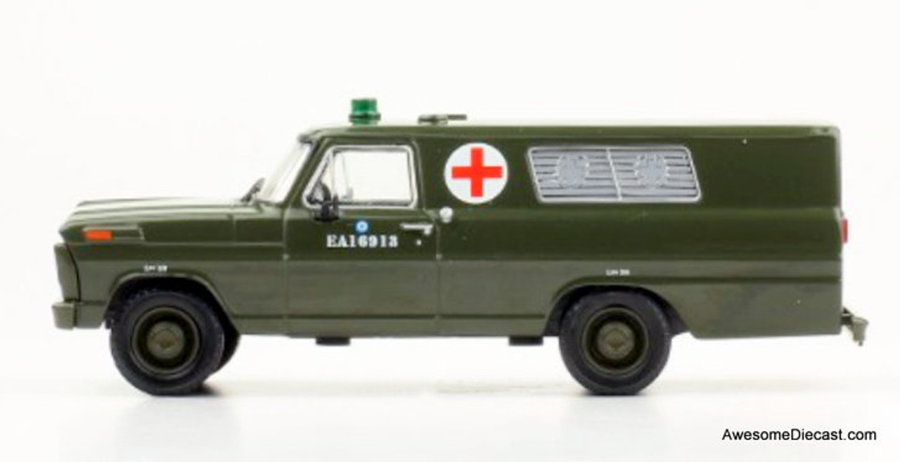 Hachette 1:43 1969 Ford F-100: Argentine Army Ambulance